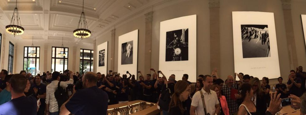 Apple transforms 100-year old Manhattan bank into an Apple Store