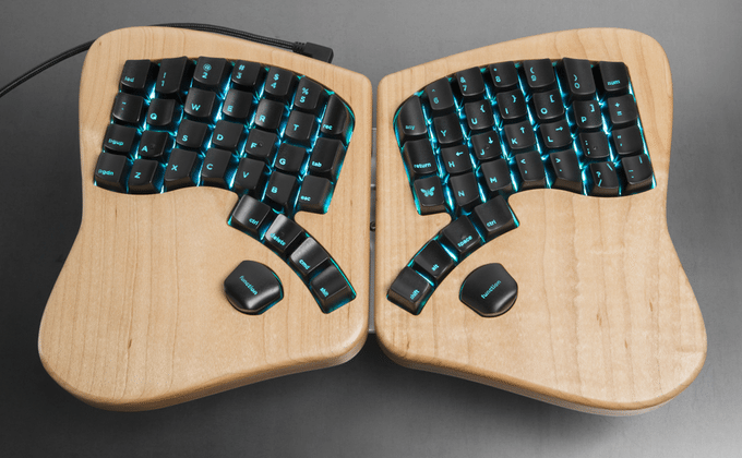 Model 01 keyboard conforms to typists' needs