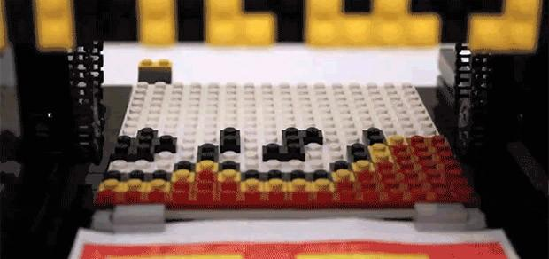 Bricasso printer creates Lego mosaics automatically