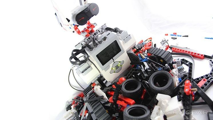 LEGO Maker program aims to put robotic bricks in creators' hands