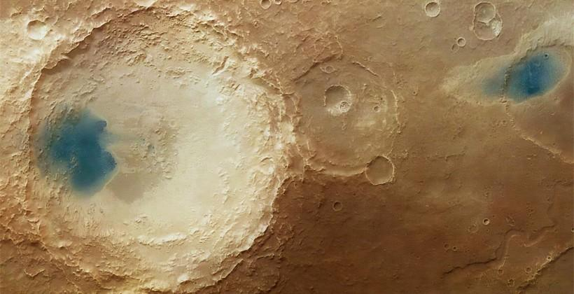 ESA Mars Explorer images shows effects of wind on Mars