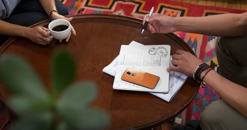 Motorola puts a 30-day trial on unlocked Moto X