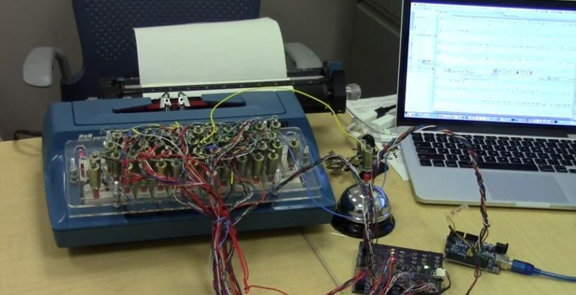 Geek turns old-school typewriter into a printer