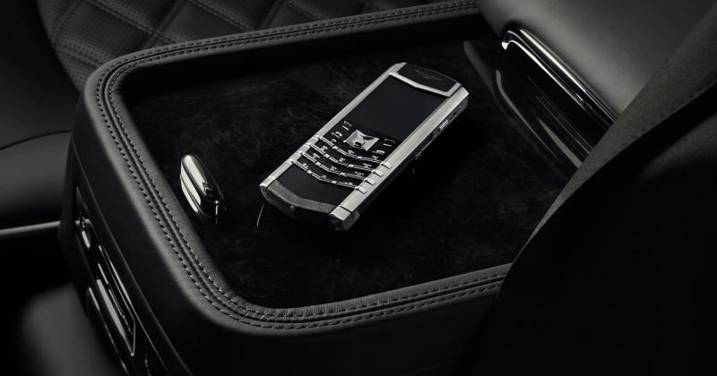Vertu outs Signature for Bentley feature phone