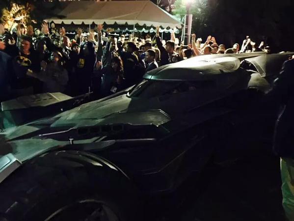 Batman v Superman director arrives at SDCC in new Batmobile