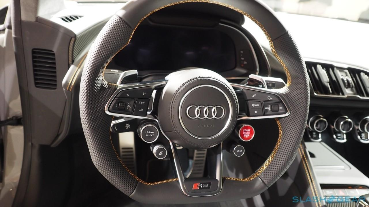 Audi R8 V10 plus steering wheel