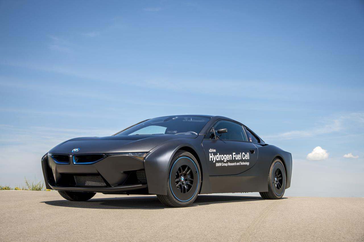 Bmw Finally Unveils Its Hydrogen Fuel Cell I8 Concept Slashgear
