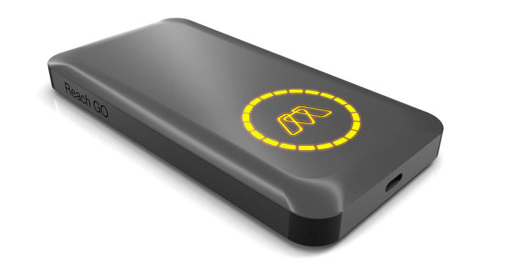 MOS Reach Go USB-C power bank charges laptops at full speed