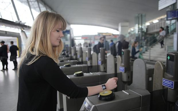 Apple Pay opens its doors in the UK