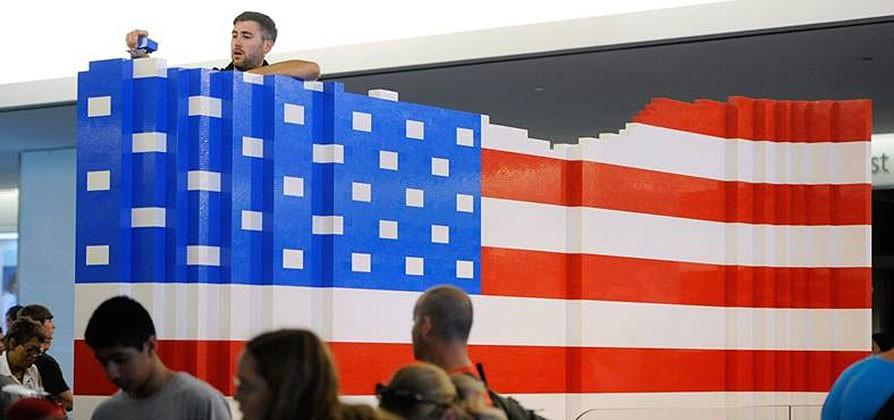 Celebrate the 4th with the world's largest LEGO American flag