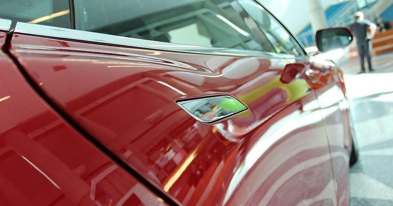 Tesla Model S gets 90 kWh option and cheaper entry-level