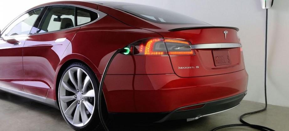 Tesla to bring charging stations to Manhattan's parking garages