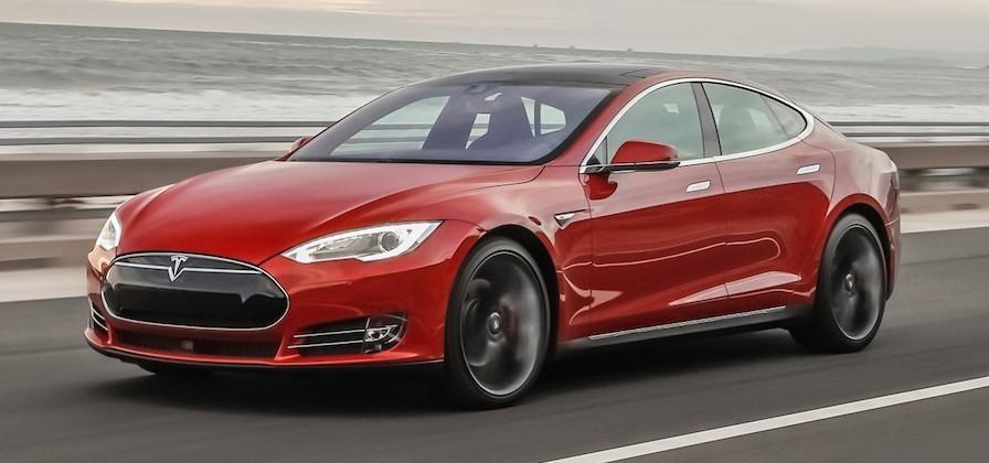 Tesla's Autopilot feature descends on some Model S testers