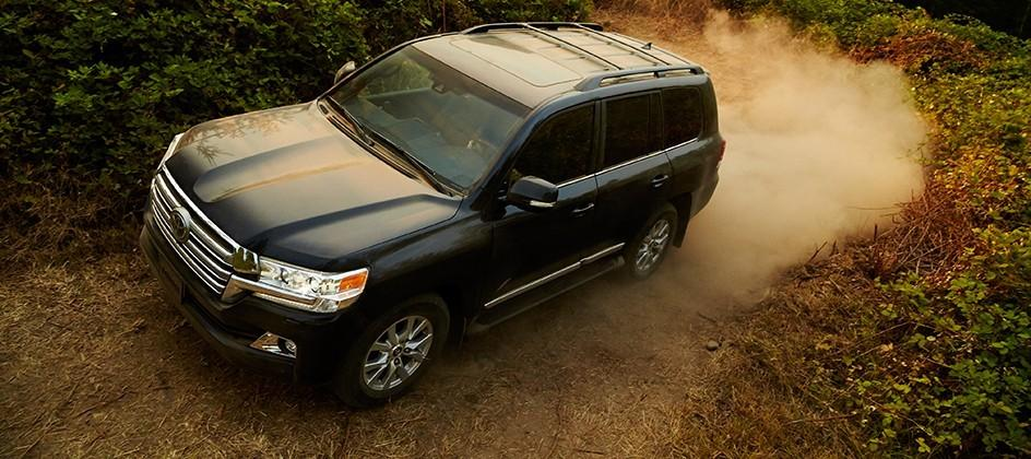 2016 Toyota Land Cruiser revealed with plenty of off-road tech