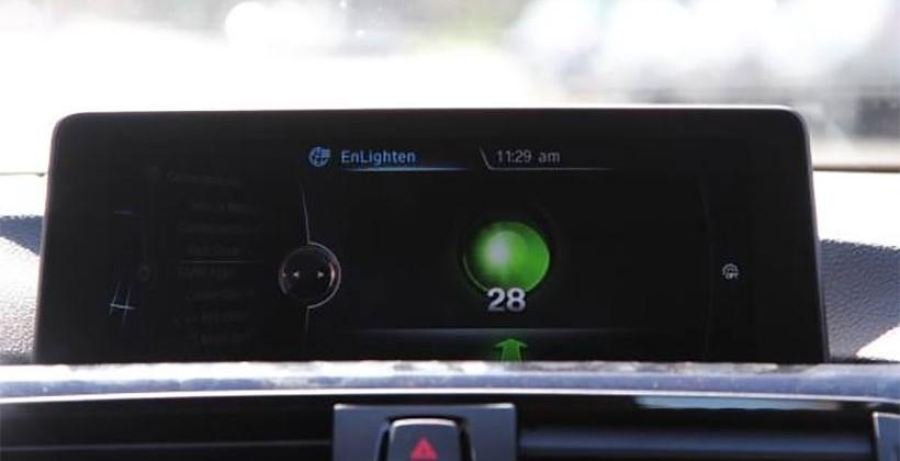 EnLighten app from BMW shows you how long the light will stay red