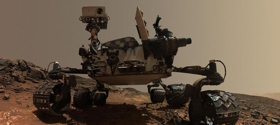 NASA's Curiosity rover takes better selfies than you