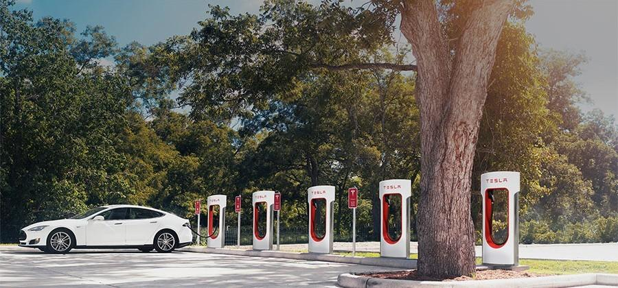 Tesla angers Model S owners with letters about Supercharger use