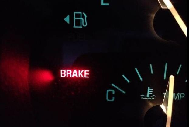 10 automakers vow to make automatic emergency braking standard