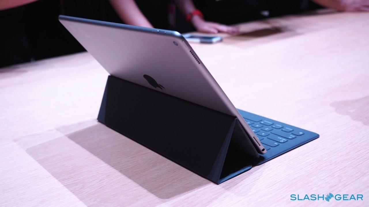 iPad-Pro-keyboard-case-Apple-Event-Product-hands-on-21-1280x7201