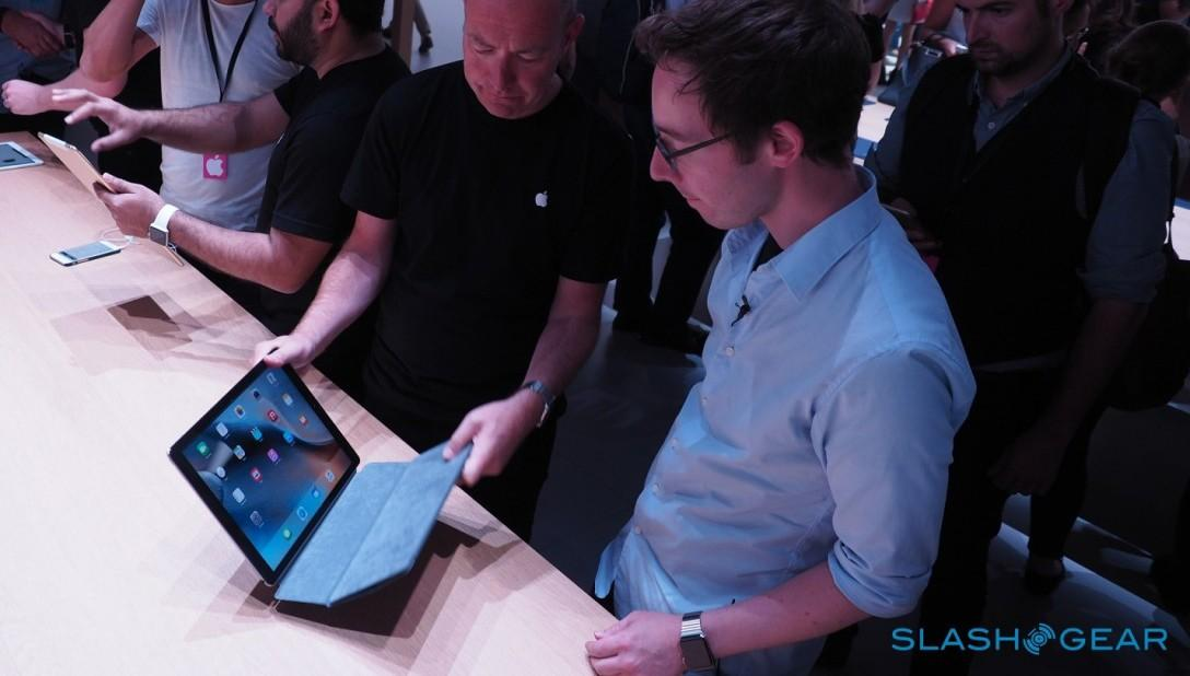 iPad-Pro-keyboard-case-Apple-Event-Product-hands-on-34-1280x720