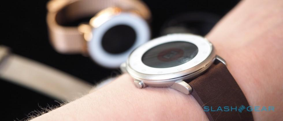 This is Pebble Time Round – a smartwatch just 7.5mm thick
