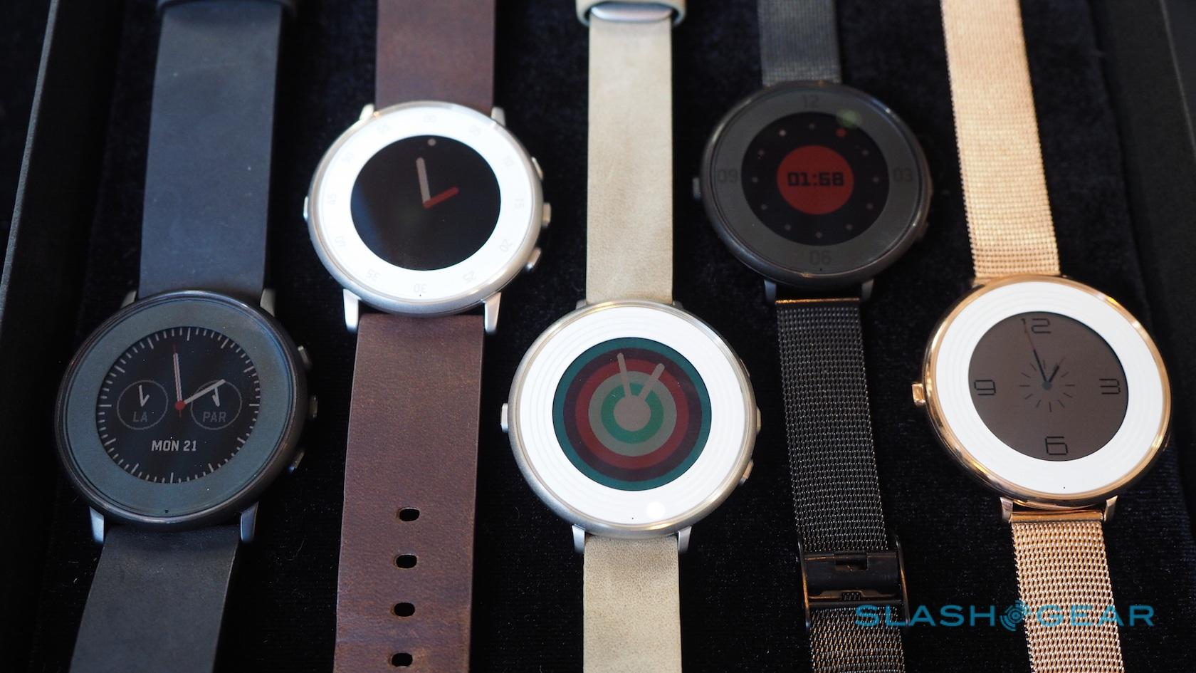 pebble-time-round-hands-on-sg-2