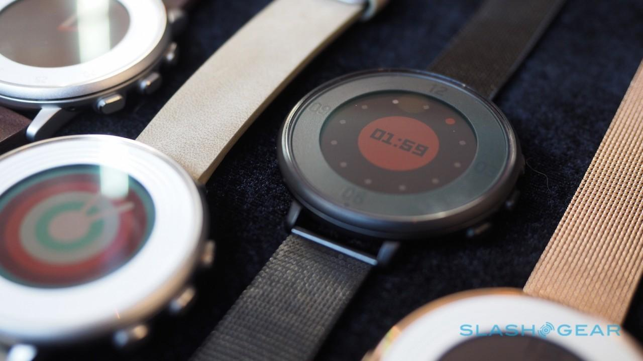 pebble-time-round-hands-on-sg-3