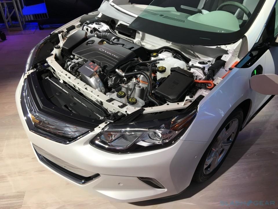 2016-Chevrolet-Volt-96-960x720