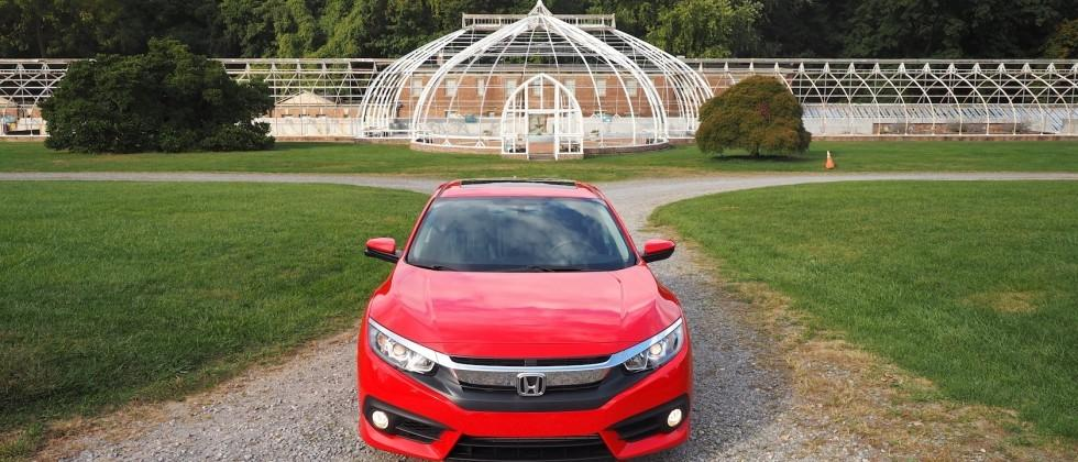 Honda prices up the 2016 Civic