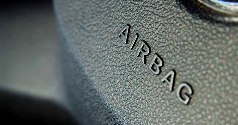 Fiat Chrysler recalls 316k Jeeps with faulty airbags