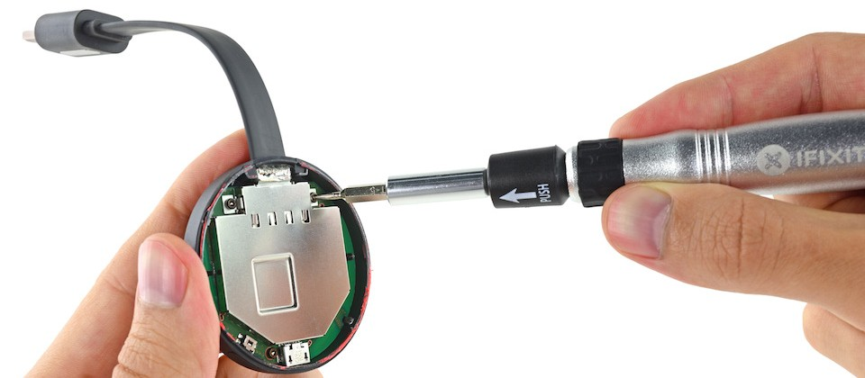 iFixit's Google Chromecast teardown reveals simple, heat dissipating dongles