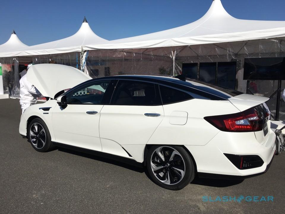 honda-clarity-fuel-cell-fcv-18