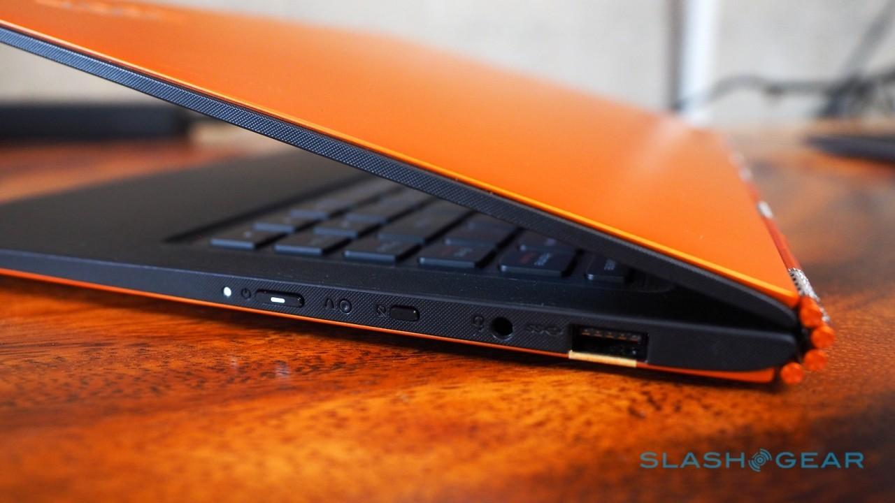lenovo-yoga-900-hands-on-sg-20