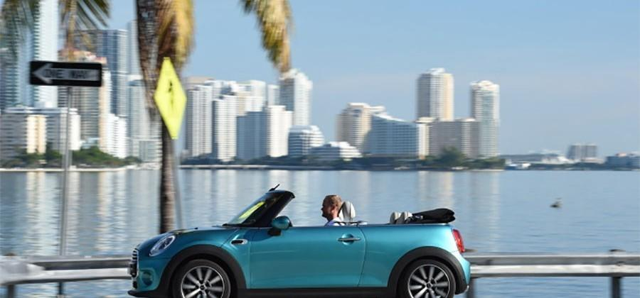 2016 MINI convertible gets longer and wider