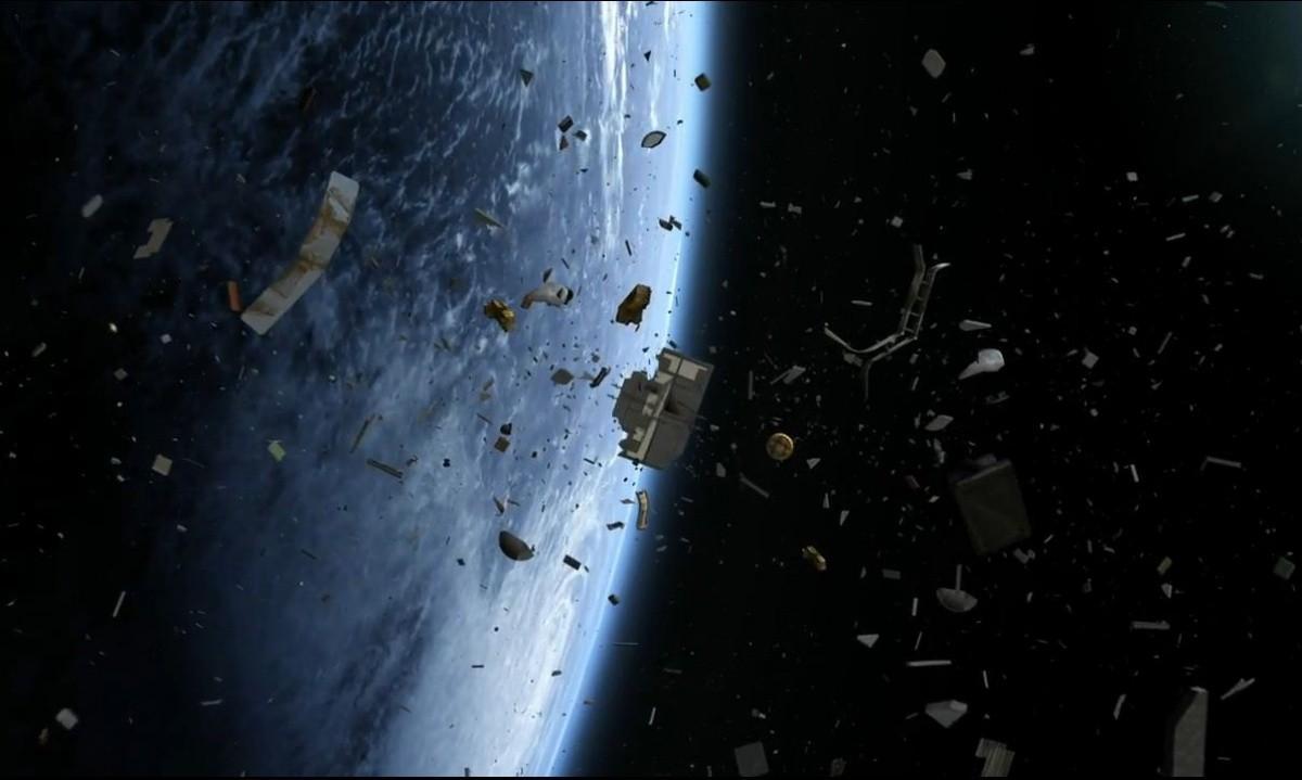 Mystery Space Junk Will Reach Earth Next Friday The 13th Slashgear