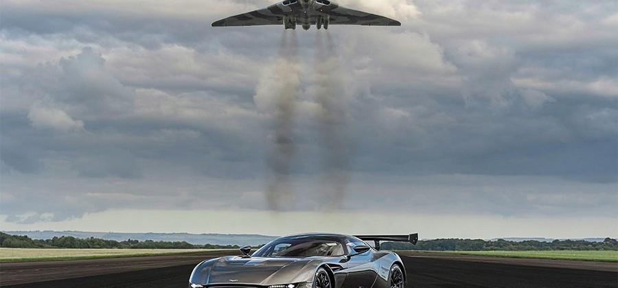 Aston Martin Vulcan and Vulcan bomber meet