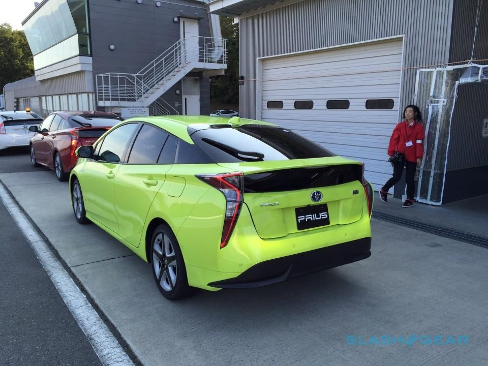 2017 Toyota Prius First Drive 1