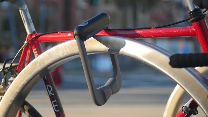 Grasp Lock uses biometrics to unlock your bike