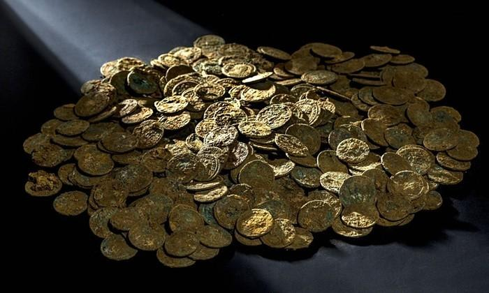 Swiss farmer finds massive cache of ancient Roman coins