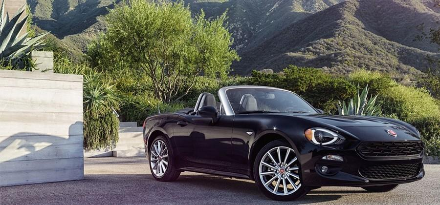 2017 Fiat 124 Spider packs 160hp 500 Abarth turbo four