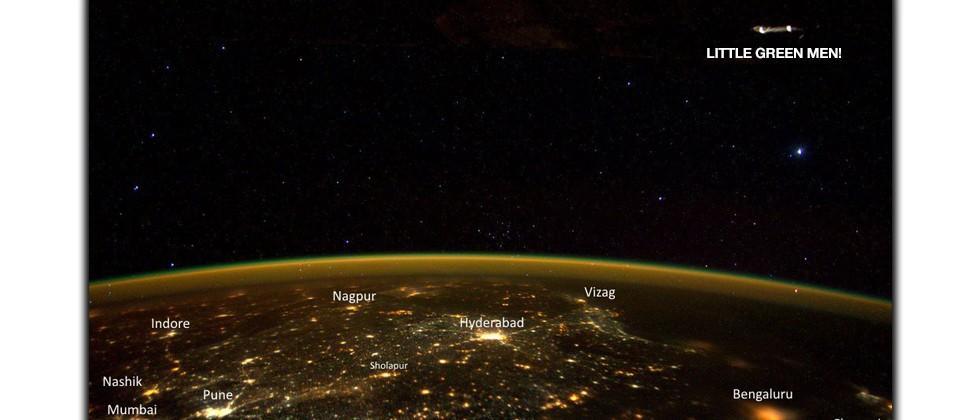 Astronaut Scott Kelly photographs a UFO