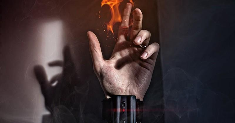 Pyro Mini shoots fireballs from your wrist