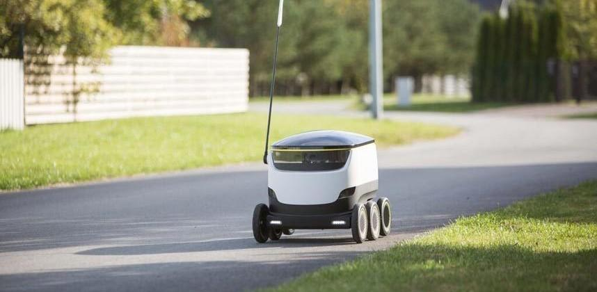 Starship pits self-driving delivery bot against drones