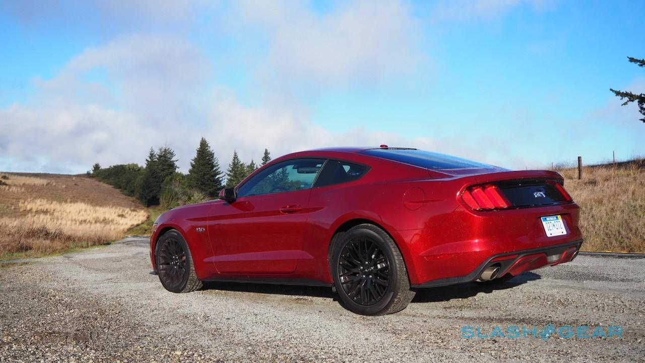 2015 ford mustang gt premium 5 0l v8 review slashgear. Black Bedroom Furniture Sets. Home Design Ideas
