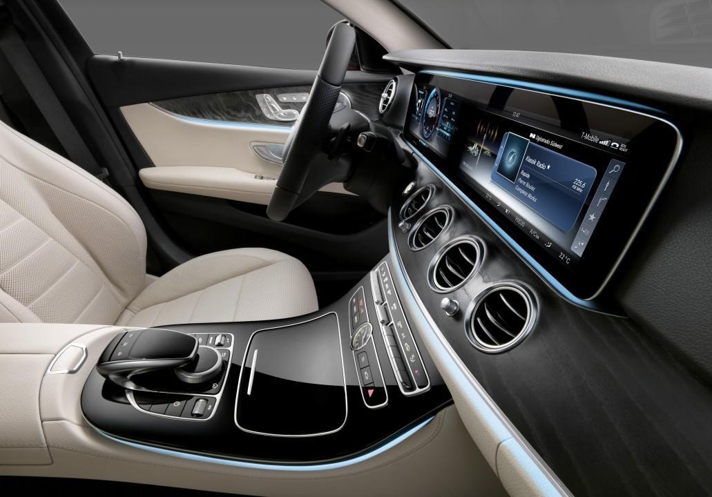2017 Meredes-Benz E-Class Interior58