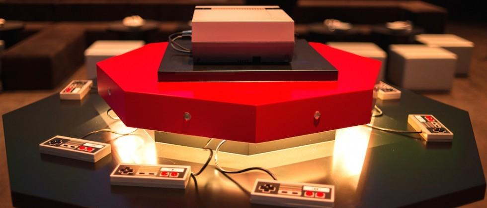 8-player NES Super Mario Bros projects gameplay in 360 degrees
