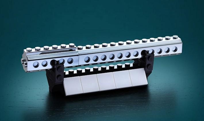 'LEGO' pen makes the paper-pushing life a little less boring