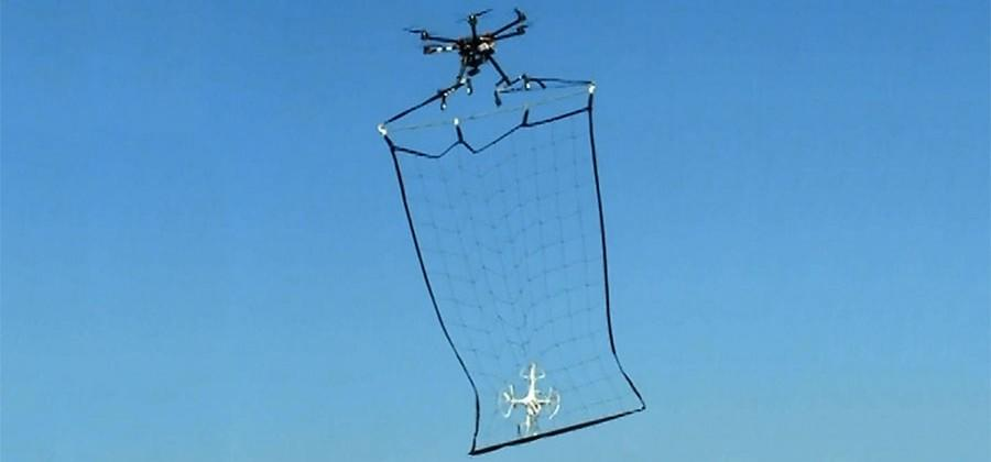 Tokyo police have a drone to fight rogue drones