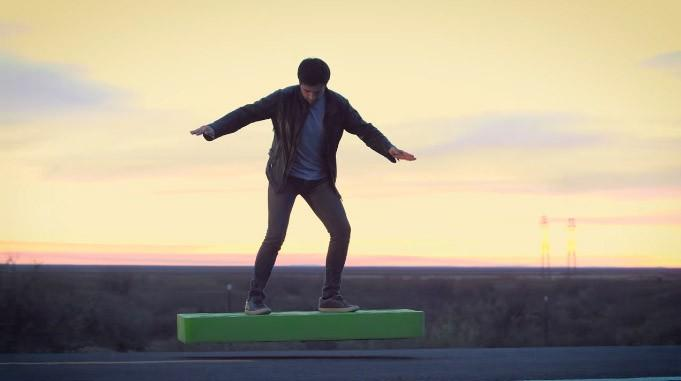 ArcaSpace hoverboard uses 36 fans to fly