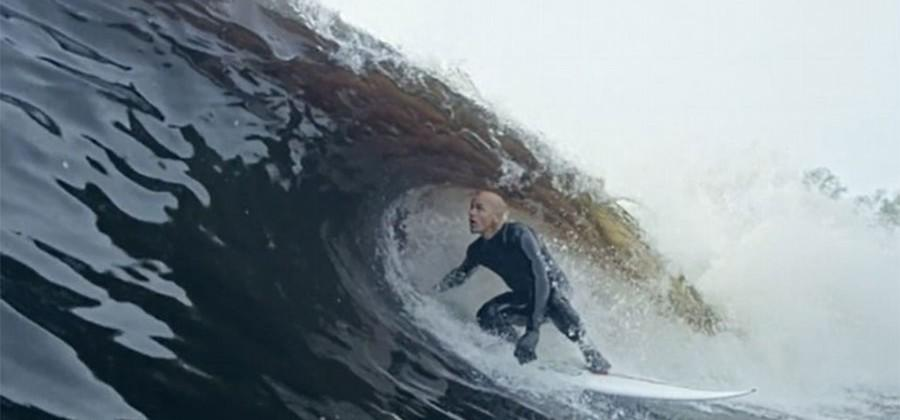 Surf champ Kelly Slater builds perfect wave machine